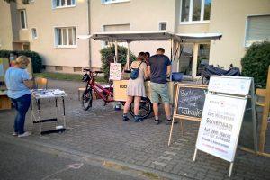 Aktion rund ums' Kochrad beim Parking Day.