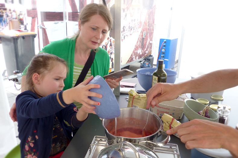 Gemeinsam Marmelade kochen